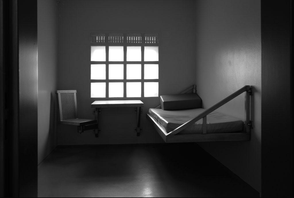 isoleercel.jpg
