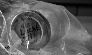 Stuk van overtuiging: een glazen potje met lucht